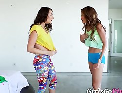 Hot all girl honeys Ayumi Anime and Lily Adams scissoring
